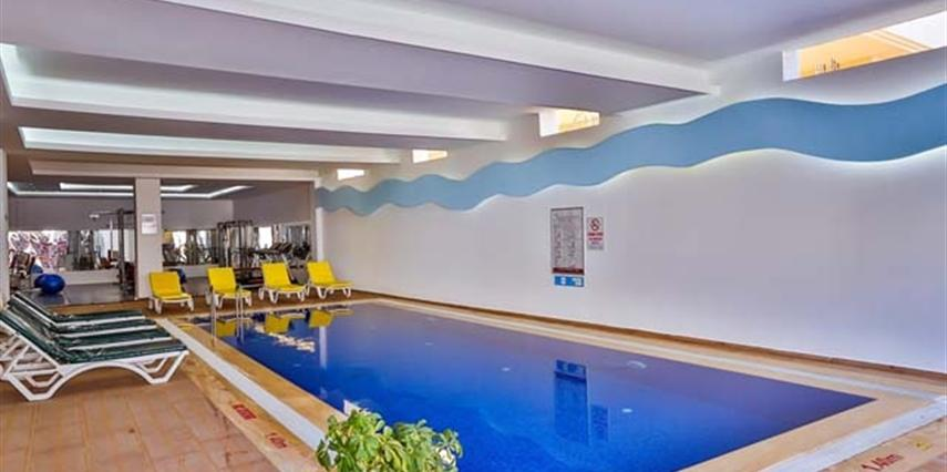 Golden Life Resort Hotel Kapalı Havuz